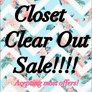 🌸 WANNA HELP ME CLEAN OUT MY CLOSET?! 🌸